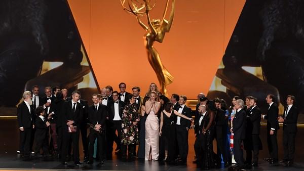 Mit seinem endgültigen Emmy-Sieg beendet Game of Thrones offiziell seine Wache