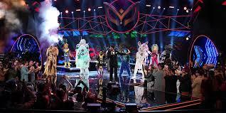 """Die Besetzung von """"Game Of Thrones"""" steht Emmys für ein letztes Hurra auf der Bühne. Seth Meyers zollt Tribut"""