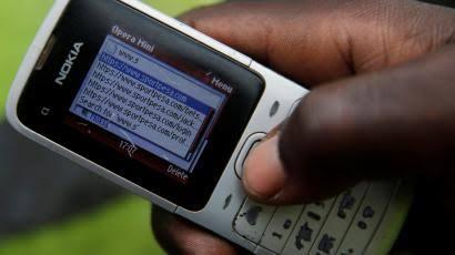 Die unangenehme Verbindung zwischen Smartphones und dem zunehmenden Glücksspiel mit Afrikas Jugend