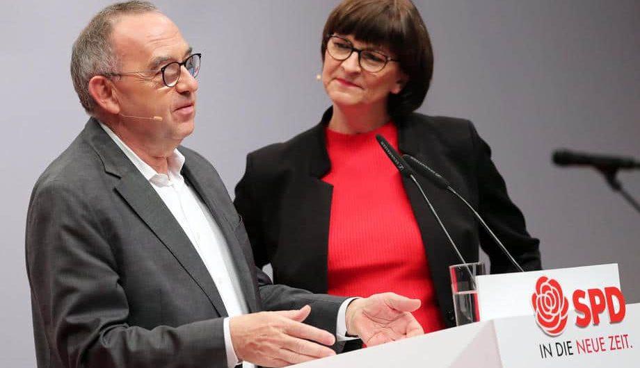 Die SPD bleibt mit der deutschen Großen Koalition auf Kurs