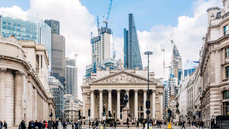 Europäische Aktien etwas niedriger, nachdem die Bank of England die Zinsen gehalten hat; Eurofins-Aktien steigen um 15%