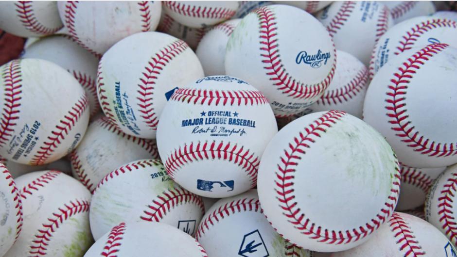 Quellen: MLB-Kommissar warnt vor dem Herunterfahren, wenn das Coronavirus nicht besser verwaltet wird