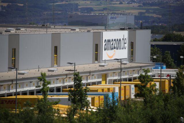 Amazonas steht am geschäftigen Haupttag  in Deutschland vor Streiks