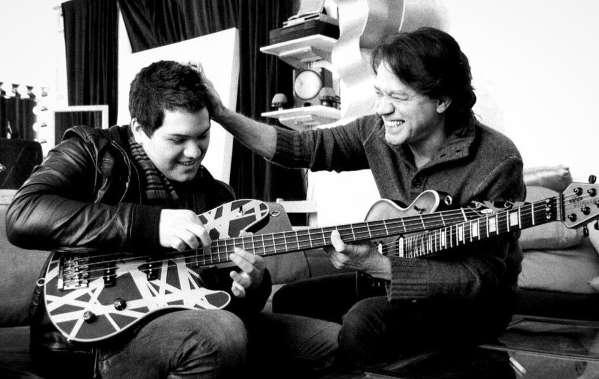 Eddie Van Halens Sohn Wolfgang teilt sein Rückfallfoto mit seinem verstorbenen Vater