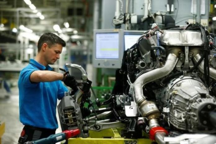 Die deutsche Industrieproduktion im September steigt weniger als aufgrund von Virusproblemen prognostiziert
