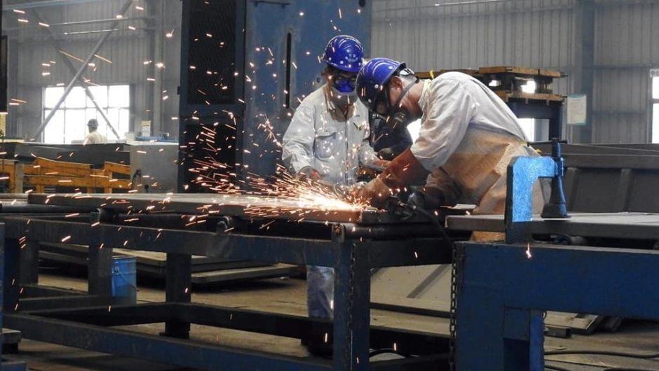 Die deutschen Industrieaufträge steigen aufgrund der starken Inlandsnachfrage im Februar
