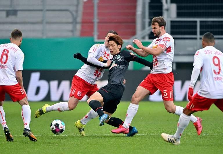 Bremen schlägt Regensburg im deutschen Pokal-Halbfinale gegen Leipzig