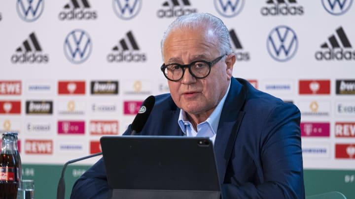 Der deutsche Fußballchef Keller drängte darauf, wegen der Bemerkung der Nazis zurückzutreten